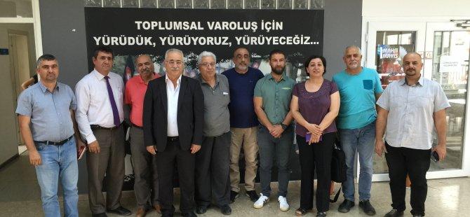 """""""KIBRISLI TÜRKLERİN ALTERNATİFİ VARDIR"""""""