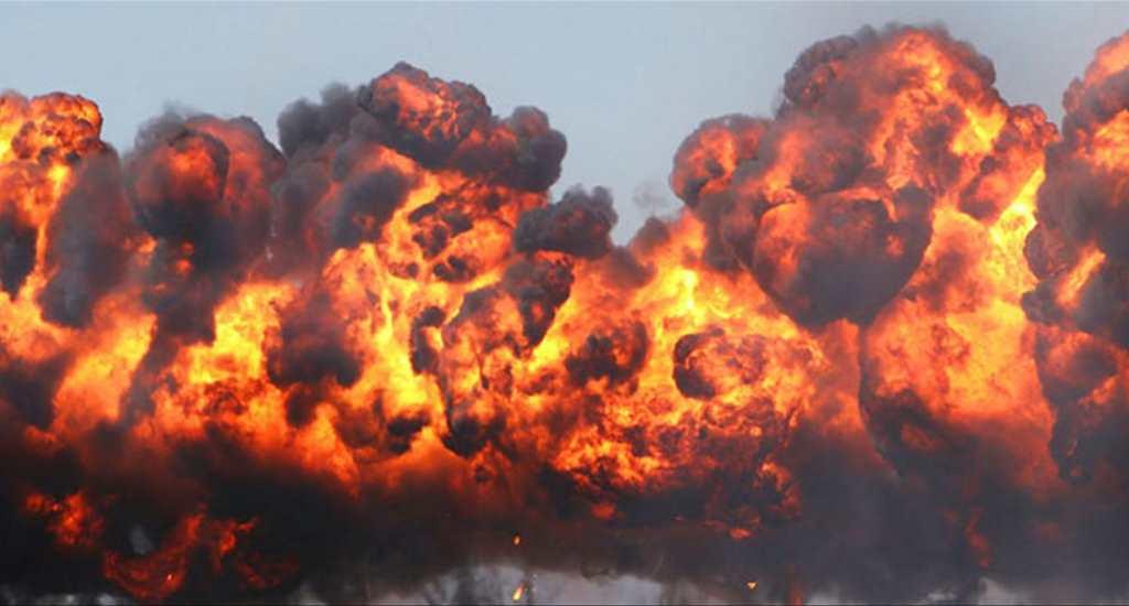 Ülke şokta! 3 canlı bomba kendini patlattı.