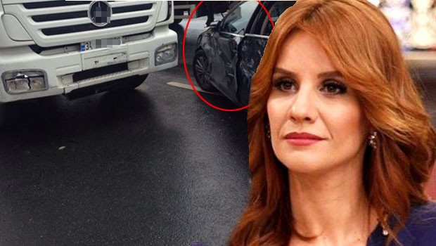 Esra Erol Trafik Kazası Geçirdi!