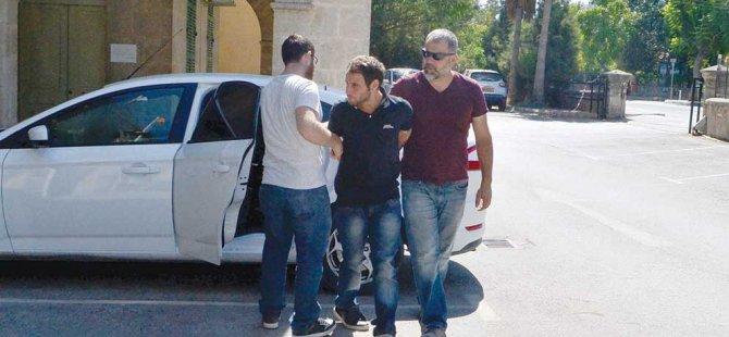POLİSLERİ DÖVENLER ARANIYOR