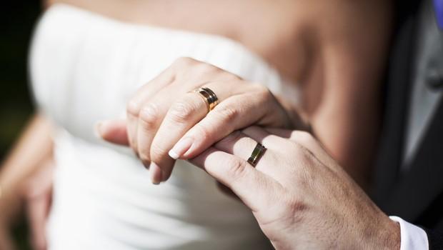 68 yaşındaki zengin adama şok: Evli olduğu kadın torunu çıktı!