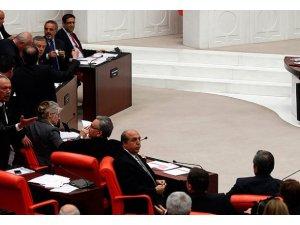 "MECLİSTE AK PARTİ'DEN ""ÇÖZÜM SÜRECİ"" HAMLESİ"