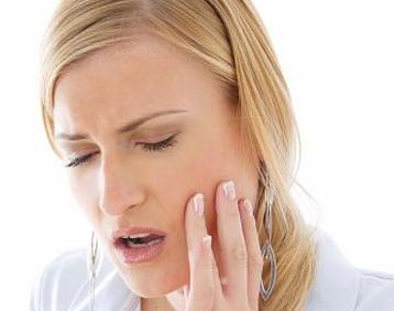 Evinizde Bulunan 2 Malzemeyle Diş Ağrınızı Geçirebilirsiniz