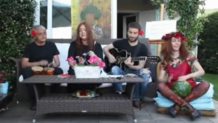 NAZAN ÖNCEL'DEN GEZİ'YE ŞARKILI DESTEK