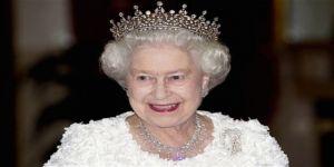 Kraliçe'nin resmi Twitter hesabı için yönetici aranıyor