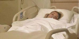 Ünlü şarkıcı apar topar ameliyata alındı!