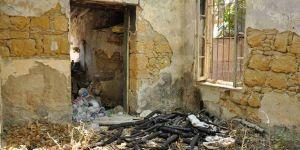 Yıkık evler suç batağı