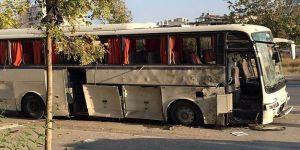 İzmir'de servis aracına bombalı saldırı