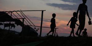 'Arakan'da cesetleri yakarak yok ediyorlar'