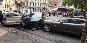 Londra'da müze yakınlarında meydana gelen olayın trafik kazası olduğu açıklandı