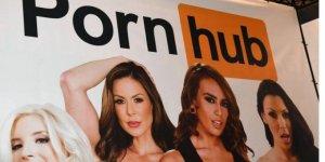 Kadınlar 2017'de porno sitelere 'daha fazla girdi'