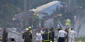 Küba'da uçak kazası: 100'den fazla ölü var
