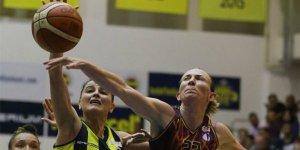 Yakın Doğu Üniversitesi Kadın Basketbol Takımı tüm faaliyetlerini sona erdirdi