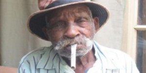 'Dünyanın en yaşlı kişisi' sigarayı bırakmaya çalışıyor