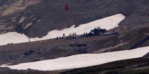 İsviçre'de uçak düştü