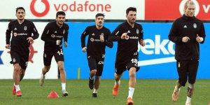 Beşiktaşlı futbolcu takımdan ayrıldı