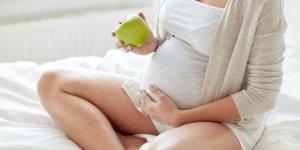 Bebeğin saçları çıkarken mide yanması yapar mı?