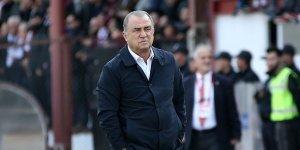 Galatasaray'da sürpriz sağ bek!