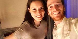 Metin Hara'dan Adriana Lima'ya hatıra