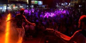 Lefkoşa'da gençliğin gecesi