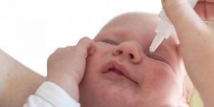 Bebeklerinizde göz çapaklanma oluyorsa bunu deneyin...