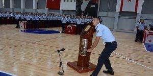 """60. DÖNEM POLİS VE 14. DÖNEM İTFAİYE TEMEL EĞİTİM KURSLARI"""" YEMİN VE MEZUNİYET TÖRENİ YAPILDI"""