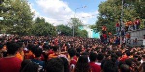 Galatasaraylı taraftarlar, Falcao'yu bekliyor!