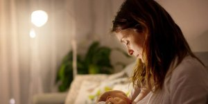 Anne sütüyle ilgili doğru bilinen 12 yanlış