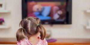 Çocuğun televizyon izlemesinin zararları nelerdir?
