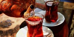 Çayı böyle içmek kansere davetiye çıkarıyor!