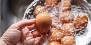 Haşlanmış yumurtanın suyunu sakın atmayın!