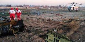 İran'da Ukrayna Havayollarına ait yolcu uçağı düştü, kimse sağ kurtulamadı