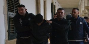 POLİSLERE BIÇAK ÇEKTİ!