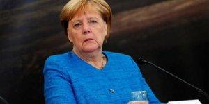 Merkel'den şok açıklama: Nüfusun çoğuna virüs bulaşacak