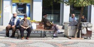Türkiye'de C65 yaş üstü vatandaşlara sokağa çıkma sınırlaması
