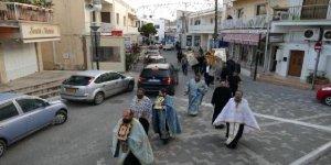 Rum Kesimi'nde papazlardan 'koronavirüs' duası