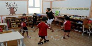 İlkokul 1 ve 2. sınıflar ile okul öncesi okullar açıldı