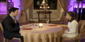 Birinci bölümüyle büyük ilgi gören Camdaki Kız dizisiyle Türk televizyon tarihinde bir ilk yaşandı