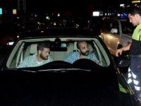ÜNLÜ OYUNCULARIN BAŞI POLİSLE BELADA!