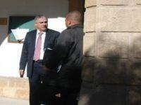 KKTC'DE ESKİ BAŞKAN 'KOLAY PARA'' UĞRUNA YARGIDA!