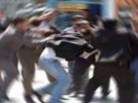 TATLISU'DA HEPSİ TOPLANIP 1 KİŞİYİ FENA DÖVDÜ