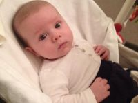 9 aylık bebeğini diyete soktu