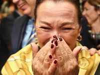 Gül Sunal gözyaşlarına hakim olamadı